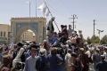 Амерички режим у Кабулу предао се у америчкој режији америчким Талибанима